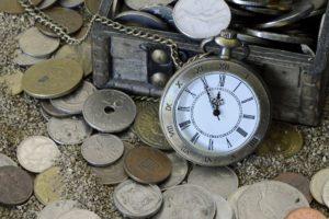 Zeit ist Geld. Geld kommt und geht aber die Zeit kann man nicht zurückdrehen.