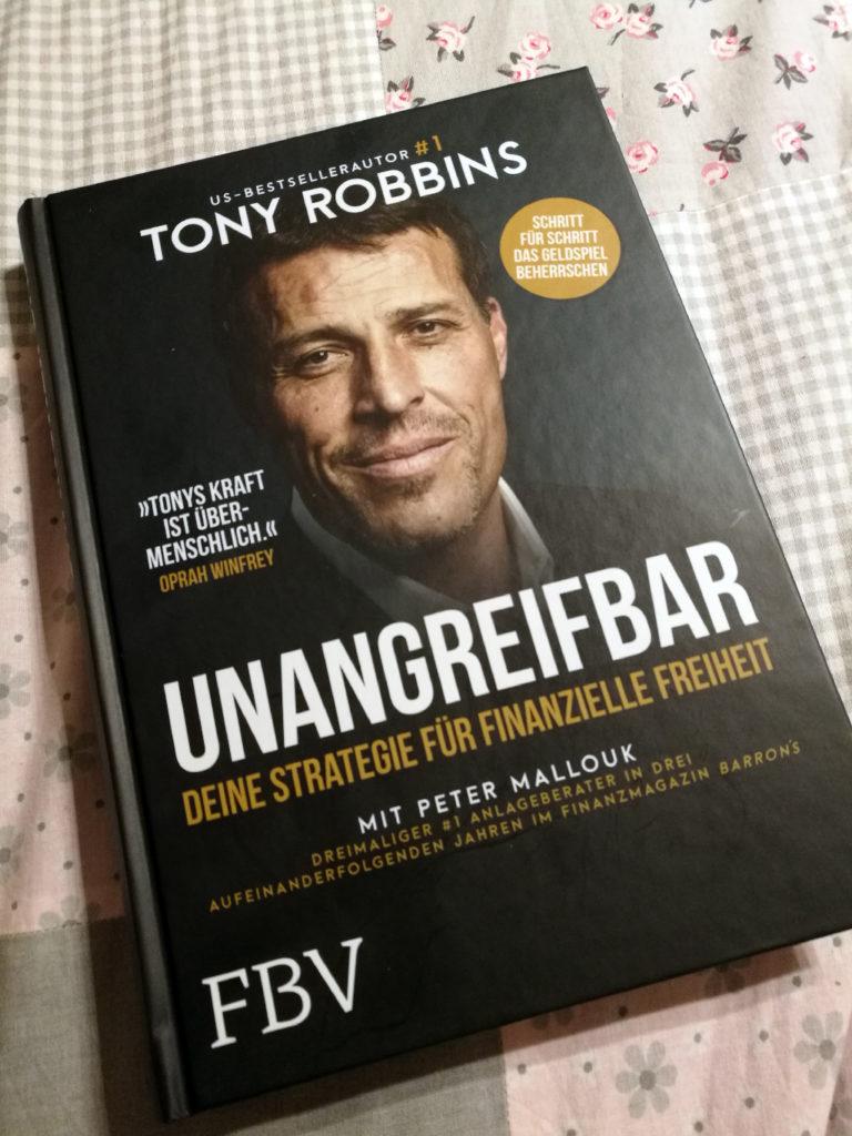 Buchvorstellung von Tony Robbins Buch Unangreifbar.